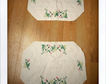 Set of 2 Cloth Hand Embroidered Placemats