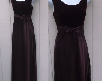90s Vintage Garnet Red Satin Bias Cut Maxi Dress w/ Velvet Empire Bodice / 1990s does 1930s Maxi Glam Party Prom Bridesmaid Dress // Sz Sml
