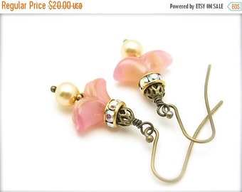 Peach Vintage Glass Earrings Swarovski Golden Pearl Czech Glass Crystal Vintage Inspired Hawaiibeads