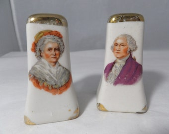 Vintage George and Martha Washington Salt and Pepper Shakers - Gold Tops,  Retro Kitchen, Ceramic, S and P, Figurines, Kitchen Decor
