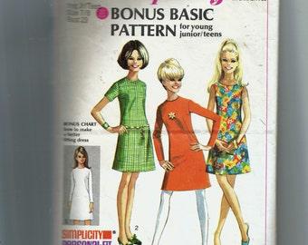 Simplicity Young Junior/Teens' Dress Pattern 7511