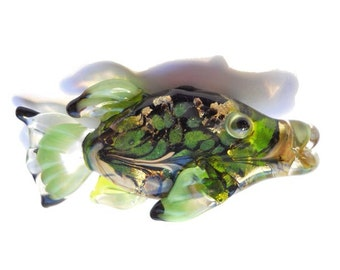 Fish glass bead, Green & black shiny fish necklace, Lampwork Glass Beads, handmade focal bead, ocean bead, jewelry supplies, SRAJD, CGGE