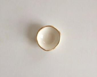 Tiny Gold Lip Dish