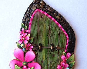 Elf Bolt Arrow Fairy Door in Green, Miniature Polymer Clay Fairy Garden Home Decor