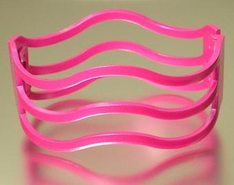 Vintage/ estate 1990sretro modernist hot pink metal, wave clamper costume bangle/ bracelets - jewelry / jewellery