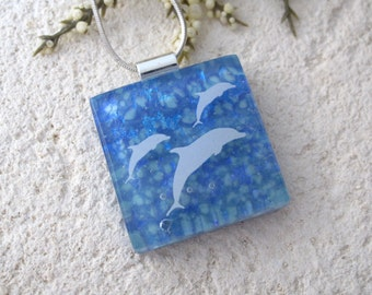 Dolphin Necklace, Beach Jewelry, Fused Glass Jewelry, Blue Necklace, Dichroic Jewelry, Dolphin Jewelry, Glass Jewelry, Oceanography,042016p3