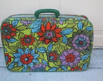 VINTAGE soft sided floral petite suitcase