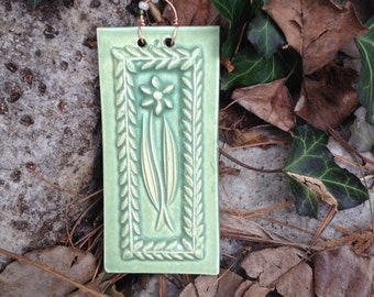 Wildflower Tile in Sage Green