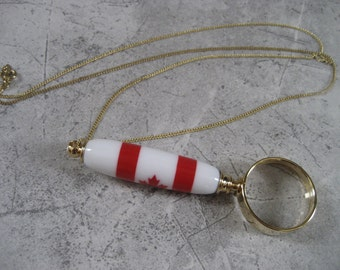 Necklace Magnifying Glass (Canadian Flag)