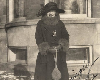 Vintage photo 1922 Young Woman Lucille Fur Purse Winter Fashion Vintage SNapshot