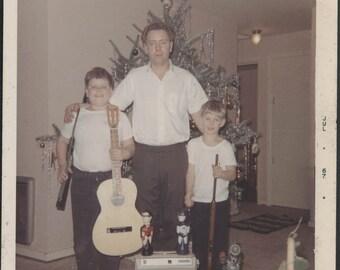 vintage photo 1967 Square color snapshot Father Sons Guitar Guns BAtman Robin Toys Xmas