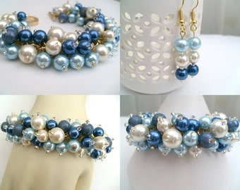 China Blue and Ivory Pearl Beaded Bracelet, Wedding Jewelry, Bridesmaid Bracelet, Cluster Bracelet, Pearl Bracelet, Chunky Jewelry, Blue