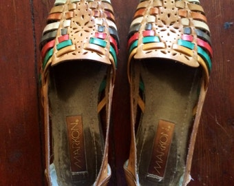 Womens vintage 1980's huaraches slip on shoes/loafers... Size 7