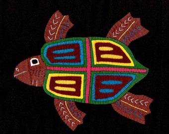 "Simple Sea Turtle Swimming Mola - ""90's Hand Sewn Kuna Indian Applique"