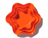 1970s MOD Orange Bowls Plastic Bowl Wavy Edge Trays Graduated Nesting Dishes