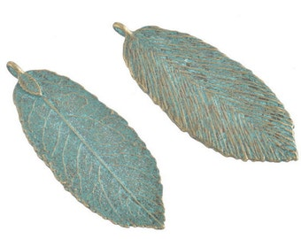 leaf leaves  pendant charm large antiqued bronze  with green patina  metal    (AAA10) Pendant quantity 5