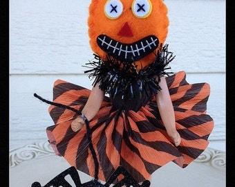 Weird Halloween Decoration Pumpkin Head Doll for Halloween Party  Halloween Ornament TVAT