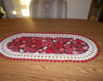 Crocheted Valentines Table Runner Red and Pink Hearts Crocheted Edge Fabric Center Centerpiece
