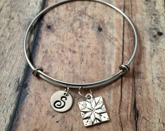 Quilt square initial bangle - quilter bangle, gift for quilter, silver quilt bracelet, quilt square jewelry, quilt patch bangle