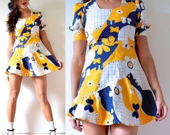 FLASH SALE / 20% off Vintage 60s 70s Yellow and Navy Blue Flower Power Patchwork Print Mini Dress (size xs, small)