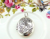 SILVER LOCKET Small Oval Butterfly and Flowers Locket With Jumpring Pendant Antique Silver (L-134)