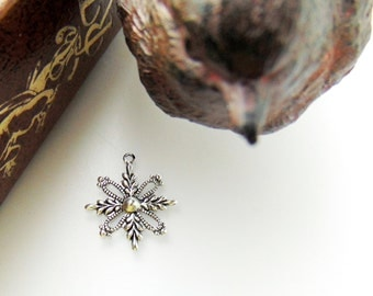 SILVER (10 Pieces) Small Filigree Snowflake Stampings - Jewelry Antique Silver Findings (FB-6091) x