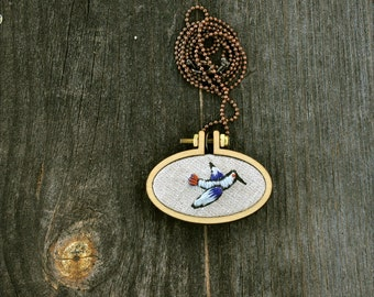 Little Bird oval necklace