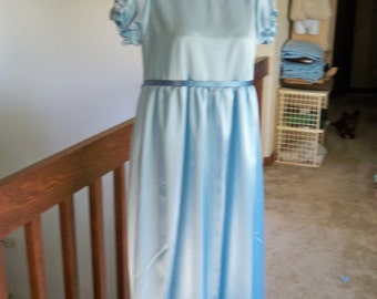 Adult Size M/L Disney Peter Pan Neverland Wendy Darling Nightgown