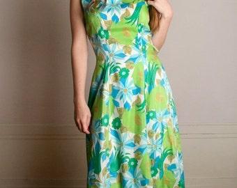 ON SALE Vintage 1960s Dress - Garden Party Green Flower Print Silk Dress - Medium