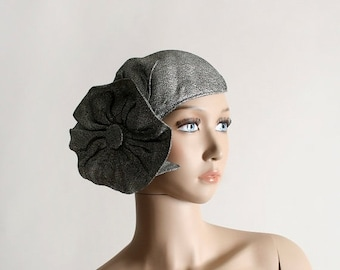 ON SALE Vintage 1950s Fascinator Hat - Silver with Large Flapper Style Flower