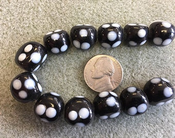 Round Glass Lampwork Beads White and Black with Polka Dots 12pcs 14mm