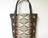 Bucket Bag Purse Tote Bag Wool Brown Leather 5 Pockets Pacific Crest Blanket Wool from Pendleton Oregon
