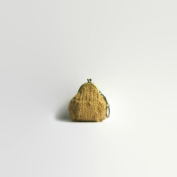 Ochre Wool Small Coin Purse, Change Purse, Hand Knitted Pouch, Keychain, Clasp, Kiss Lock, Money Holder, Chunky Knit Wool, Gifts for Her