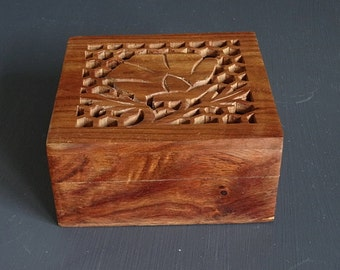 Carved Wood Box Trinket Box Catch-All Dresser Vanity Box Flower Design Cut-Out