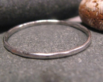 Hammered Platinum band 1mm skinny ring