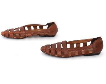 size 8 STRAPPY brown leather 80s 90s FISHERMAN cutout flats