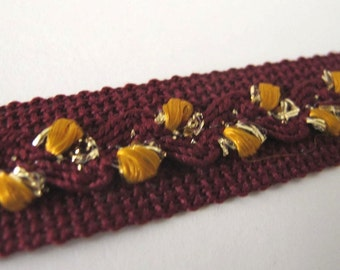 Puff ric rac on tape, mustard, gold, on marroon. 3 yards. 3/4 wide. 5090-N