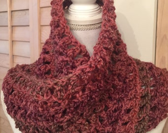 Womens Soft Chunky Hand Crocheted Infinity Scarf Cowl Rose Pink