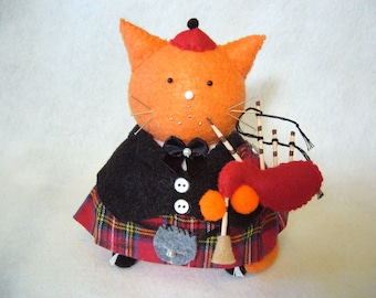 Orange cat pincushion, Scottish bagpiper, Bagpiper pin cushion, Sewing gift, Cute felt cat, Kilted cat, Sewing accessory, Cat lover gifts