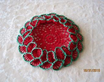 "Christmas Holiday Ruffled crochet coaster outer 7"" inner 5 "" green edge"