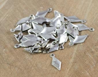1 loop Hammered Small Silver Diamond 15mmx6mm (16) mtl463C