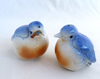 """Blue Bird Salt and Pepper Shakers, pair of birds, Wanelo, 3"""" x 3"""" birds, Blue and Orange, kitchen dining ware, ceramic with stoppers"""