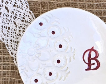 Personalized Ring Dish w/ Lace Imprint Design - Monogramed Ring Bowl, Jewelry Dish, Trinket Dish, Ring Holder