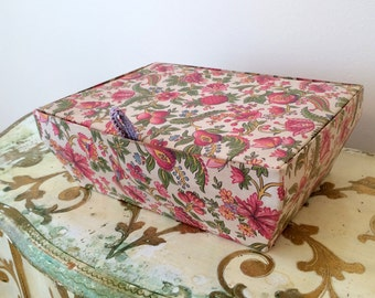French Glove Hanky Fabric Covered Box Handkerchief Sewing