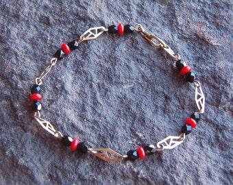 Bracelet, Vintage Bracelet, Vintage Beaded Bracelet, Gold Tone Beaded Bracelet, Red and Black Bracelet, Bracelet Jewelry