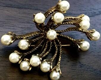 Gorgeous Vintage  Costume Pearl Brooch
