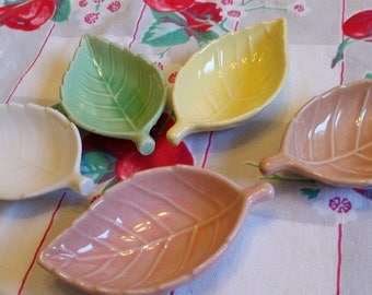 Little condiment dishes