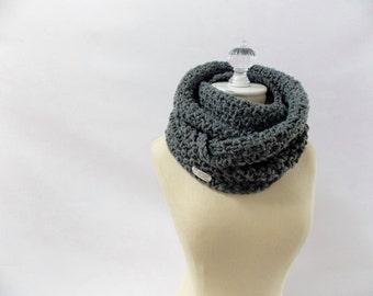 Chunky infinity scarf / #1016 / charcoal gray / wool blend / handmade / knit / crochet / fall winter 2016