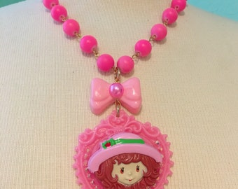 Strawberry Shortcake Pink Decorative Heart Beaded Chain Necklace