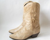 Vintage Laredo Tan Leather Fringe Boots. Size 8  1/2 Women's